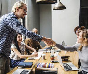 ¿Por qué contratar a una agencia de CI en lugar de hacer el trabajo internamente?