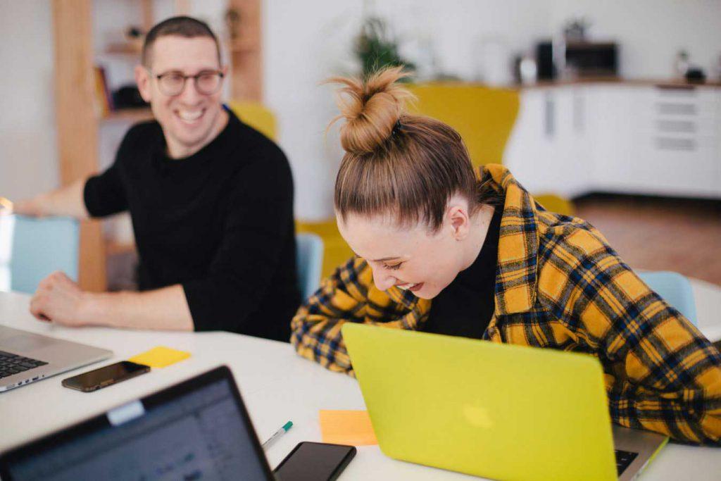 photo 1557425493 6f90ae4659fc 1024x683 - Confirmado, otra vez: un gran estudio de Oxford demostró que la felicidad hace la productividad