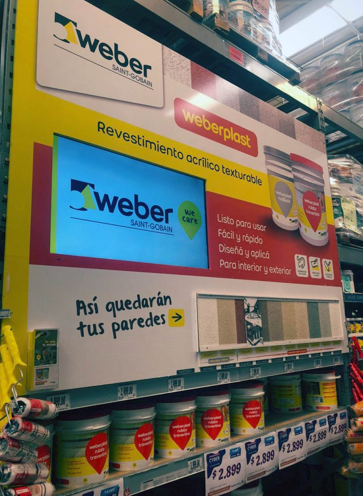 weberplast 749x1024 - Weber en home centers: una acción para alcanzar al consumidor en el punto de venta